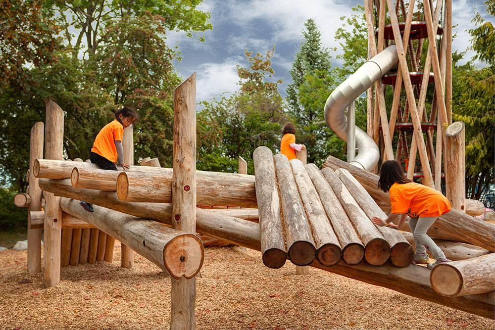 Playing on log structure