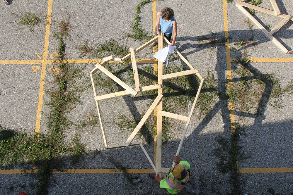 Sketching: Placing a star shape on the 50-year-old asphalt