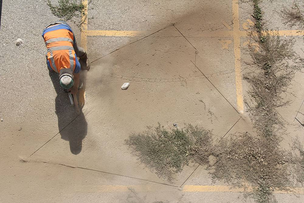 Cutting: Creating voids in the asphalt